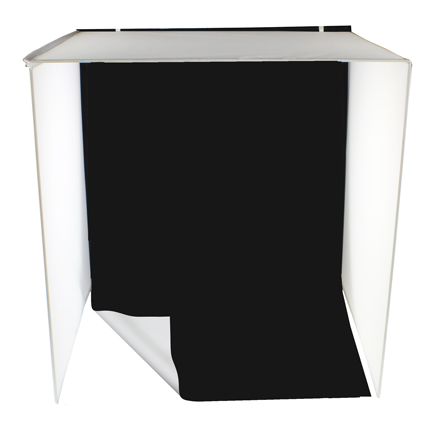 Reversible white and black flexible vinyl backgrounds